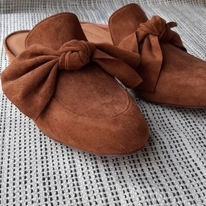NEW AEO Pointed Toe Bow Mule